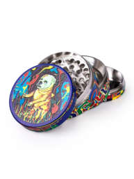 The creative design of this original The Bulldog four-part metal grinder was inspired by the famous artwork that covers the front of the world's oldest coffeeshop, The Bulldog No.90 A.K.A The Bulldog Frist. This four-piece grinder comes with diamond-shaped teeth for effective shredding, a crystal catcher and is covered with iconic imagery of The Bulldog Frist.