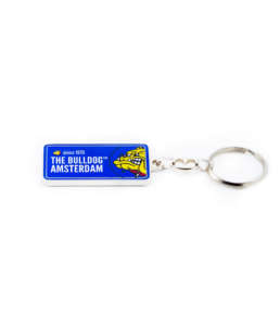 The Bulldog original keychain license plate black. Available in 3 colors, black, blue and grey.