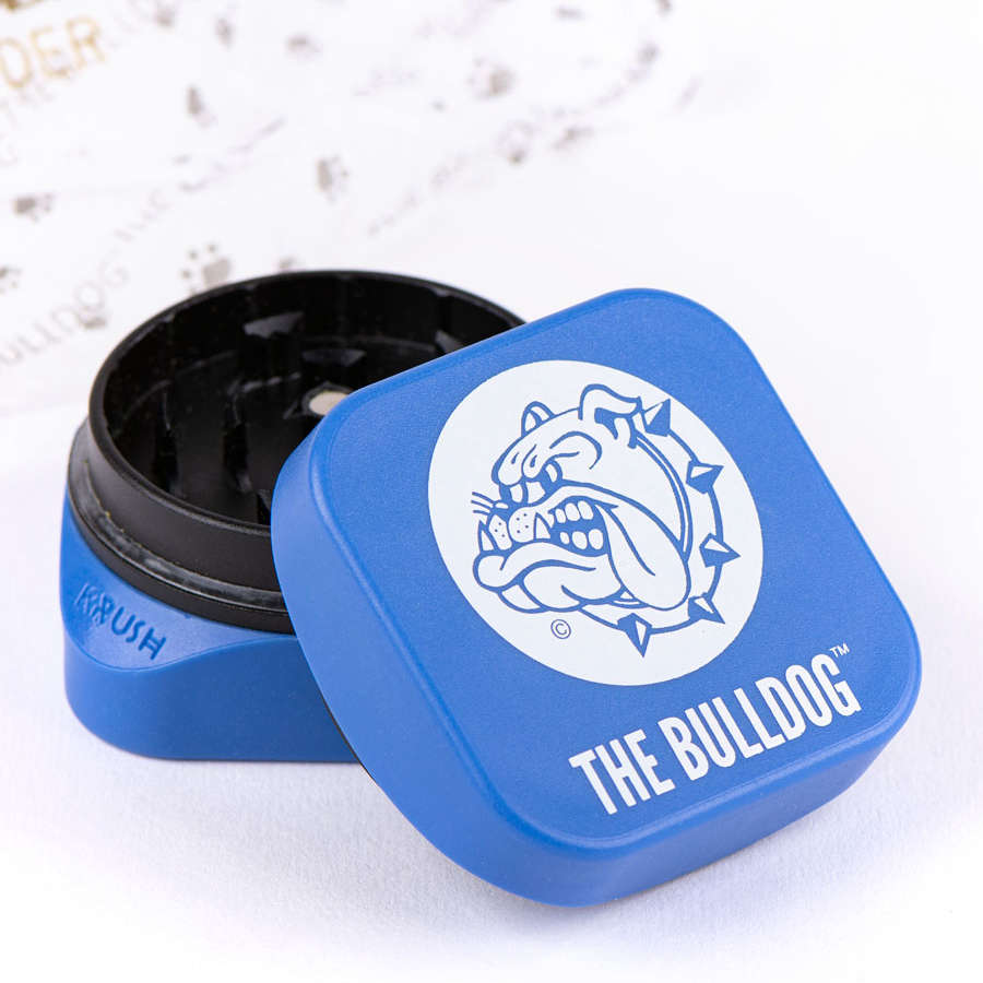 The Eco-Cube is the perfect addition to The Bulldog range of smoking products, the innovative tooth design of The Eco-Cube allows for flowers to 'fluff' up; making shredding flowers easy than ever before.
